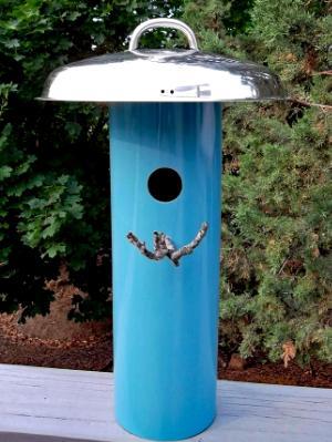 Small Bird House  08BH