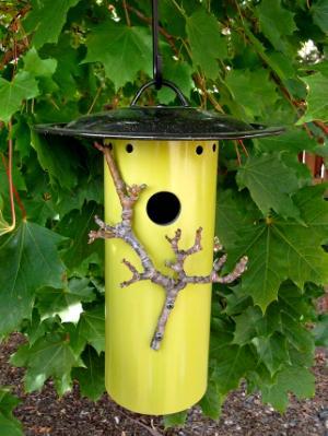 Small Bird House 16BH